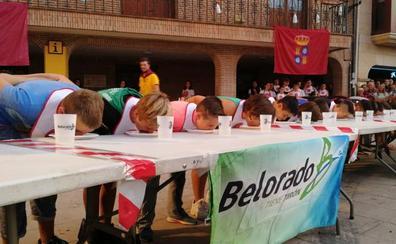 Belorado se prepara para romper en 2020 el récord Guinness de más personas succionando flanes