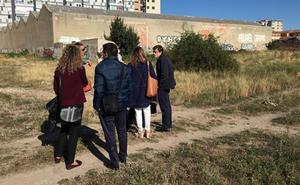 Ciudadanos exige al equipo de gobierno una actuación urgente en el entorno de Casa la Vega