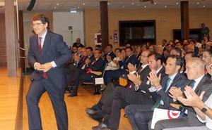 El curso económico arranca en Castilla y León con la receta de «estabilidad contra la incertidumbre»