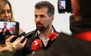Tudanca advierte a la Junta de que el PSOE seguirá defendiendo que «no haya un recorte más» en materia sanitaria