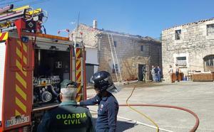 El fuego causa graves daños en una vivienda de Avellanosa del Páramo