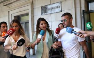 Los tres de 'La Manada' que robaron gafas, condenados a una multa de 810 euros