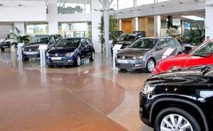 Los automóviles tardan en venderse la mitad de tiempo en internet que en un concesionario