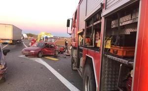 Cinco heridos en la colisión de dos turismos en Fresnillo de las Dueñas