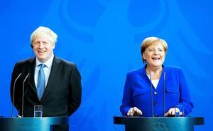 Boris Johnson se pertrecha en el búnker