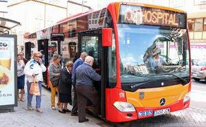 El Samyt inicia los trámites para que los jubilados puedan subir gratis al autobús a partir de 2020
