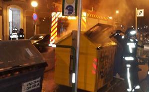 Los Bomberos de Burgos sofocan varios incendios en contenedores de la capital