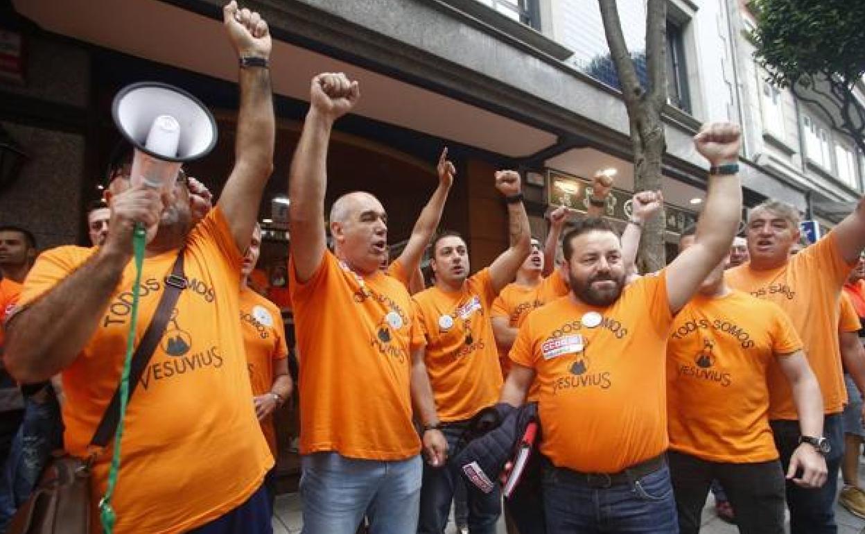 Los trabajadores reclaman a Vesuvius «ideas» para evitar el cierre