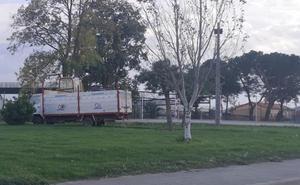 Arrancan las obras de vallado de la pista deportiva de El Crucero