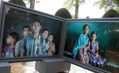 'Tierra de sueños', la muestra que acerca la realidad de la India rural al paseo Marceliano Santa María