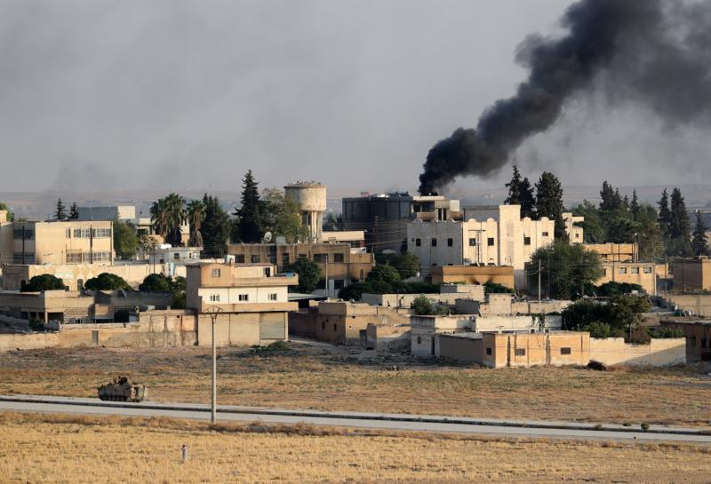 El Ejército sirio se despliega frente a las tropas turcas