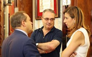 Vox acusa al PSOE de «vaciar de contenido» los órganos municipales y no descarta dejar de asistir a comisiones y consejos