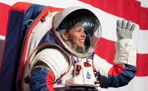 La NASA presenta sus nuevos trajes espaciales de «talla única» para volver a la luna