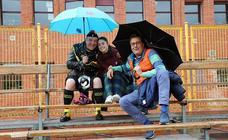La lluvia no asusta a los seguidores del UBU Colina Clinic
