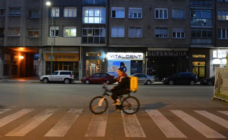 Mínima actividad en la calle el primer sábado de primavera por el Estado de Alarma