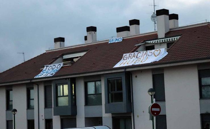 Los barrios burgaleses dan ejemplo en una cuarentena con más luz y con mensajes positivos en las ventanas